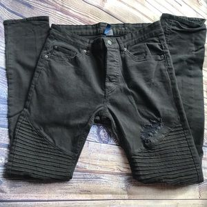 H&M Divided Black Distressed/Ripped Skinny Jeans